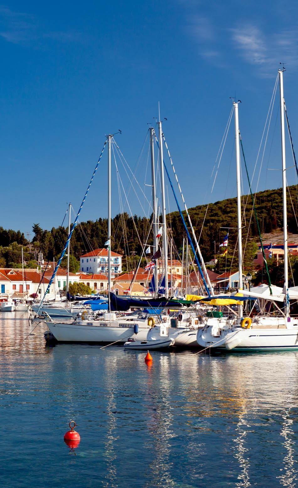 Кафалония – самый большой остров Ионического моря в западной Греции.