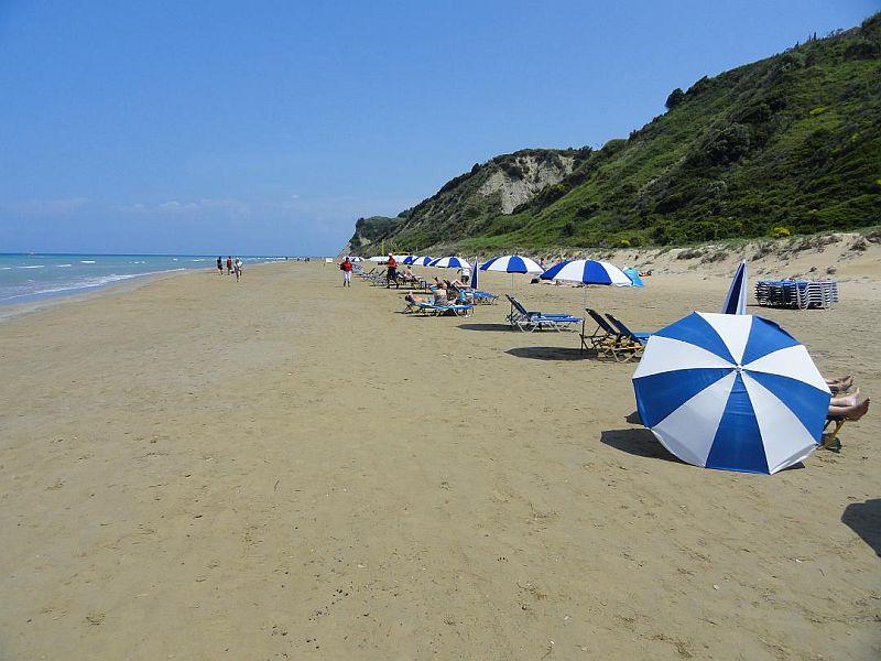 Пляж Агия Варвара Бич