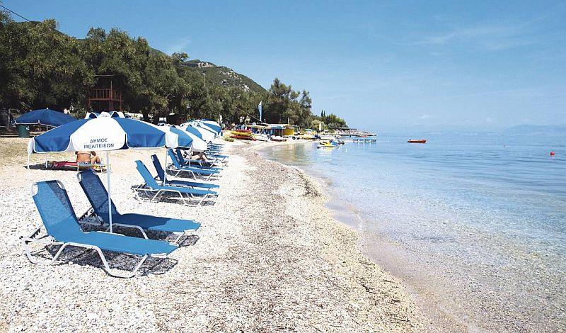 Пляж Агиос Иоаннис Перистерон Бич