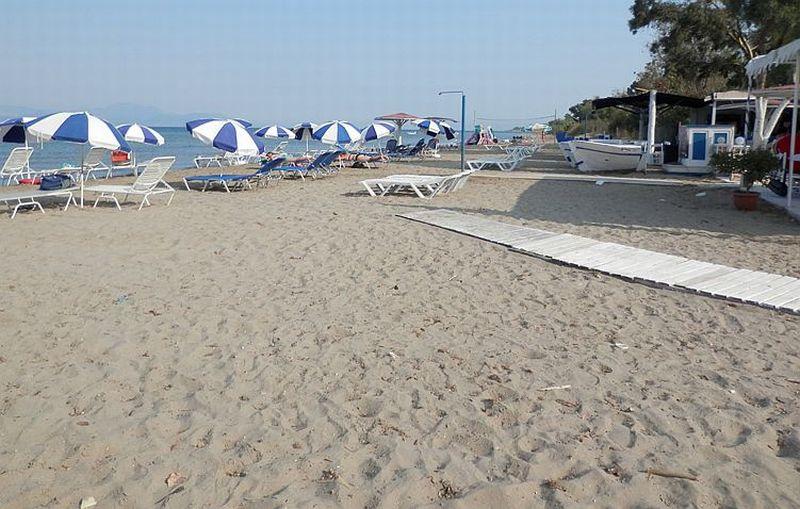 Пляж Агиос Петрос