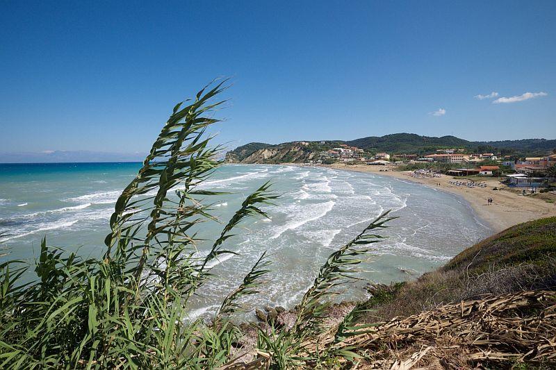 Пляж Агиос Стефанос Авлиотон Бич