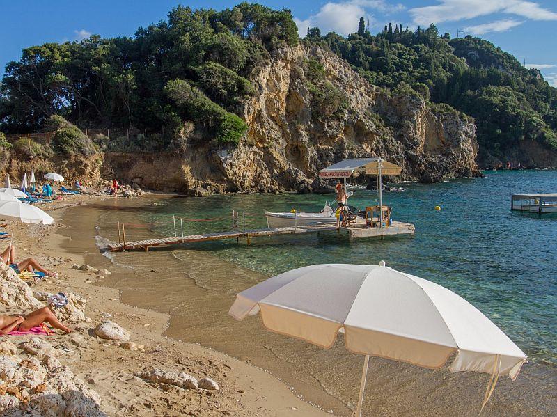 Пляж Ампилаки