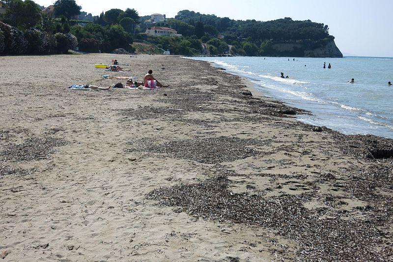 Пляж Астракери