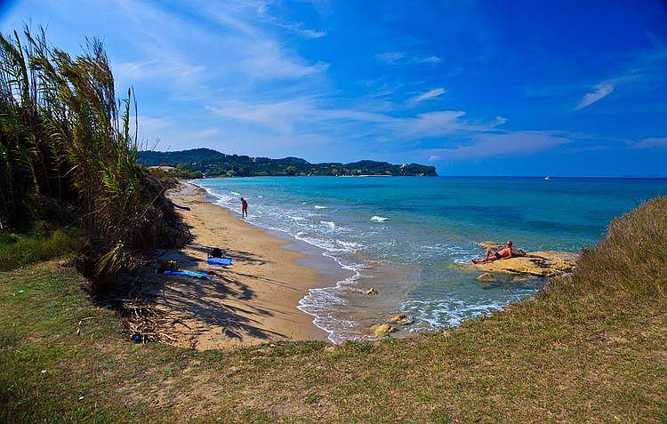 Пляж Джиалос