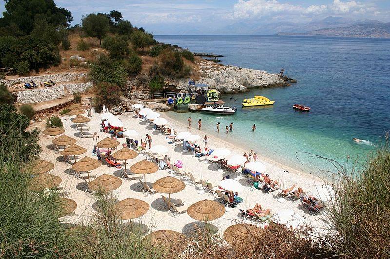 Пляж Канони Бич в Кассиопи