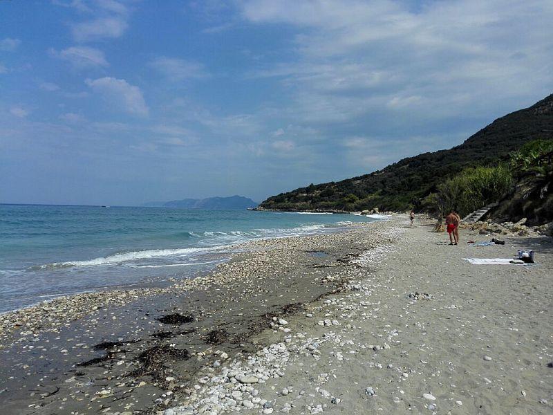 Пляж Парамонас Бич